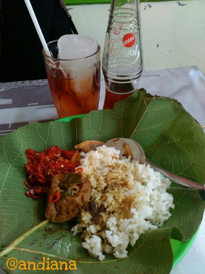 Nasi jamblang Pelabuhan Cirebon